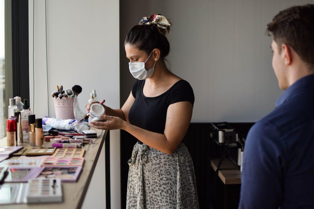 przygotowanie makijażu